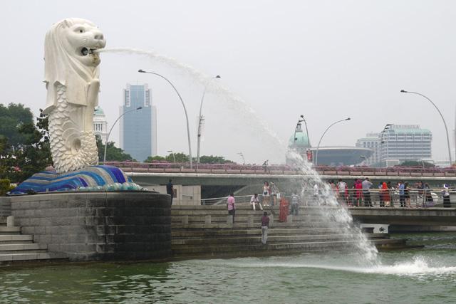 シンガポールダックツアーからみるマーライオン